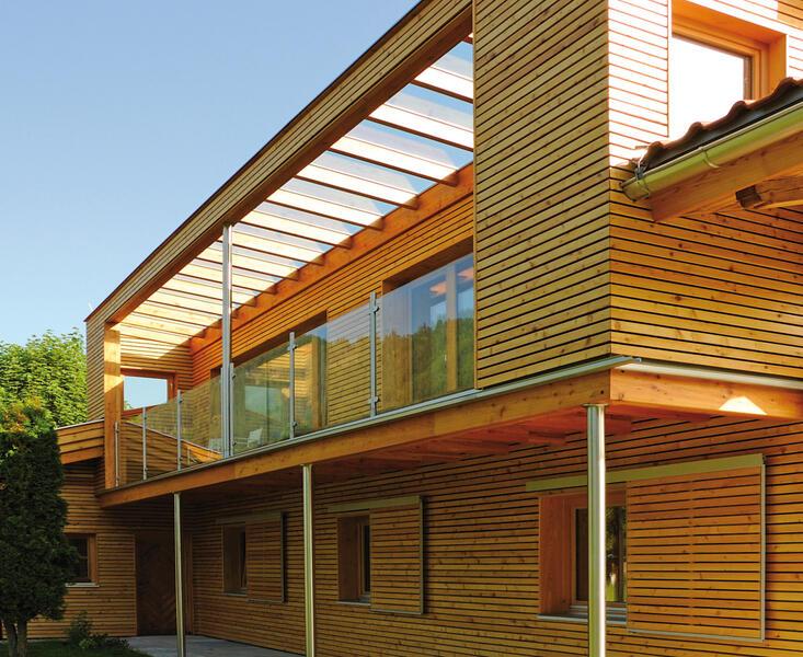 balkon aus holz und edelstahl die neueste innovation der innenarchitektur und m bel. Black Bedroom Furniture Sets. Home Design Ideas